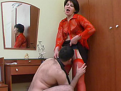 Hot mommy in red stockings getting to facesitting previous to wild muff-splitting