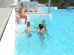 3 chicks smokin' my wang in a pool
