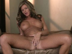 Breasty Daisy Lynn acquires some pleasure